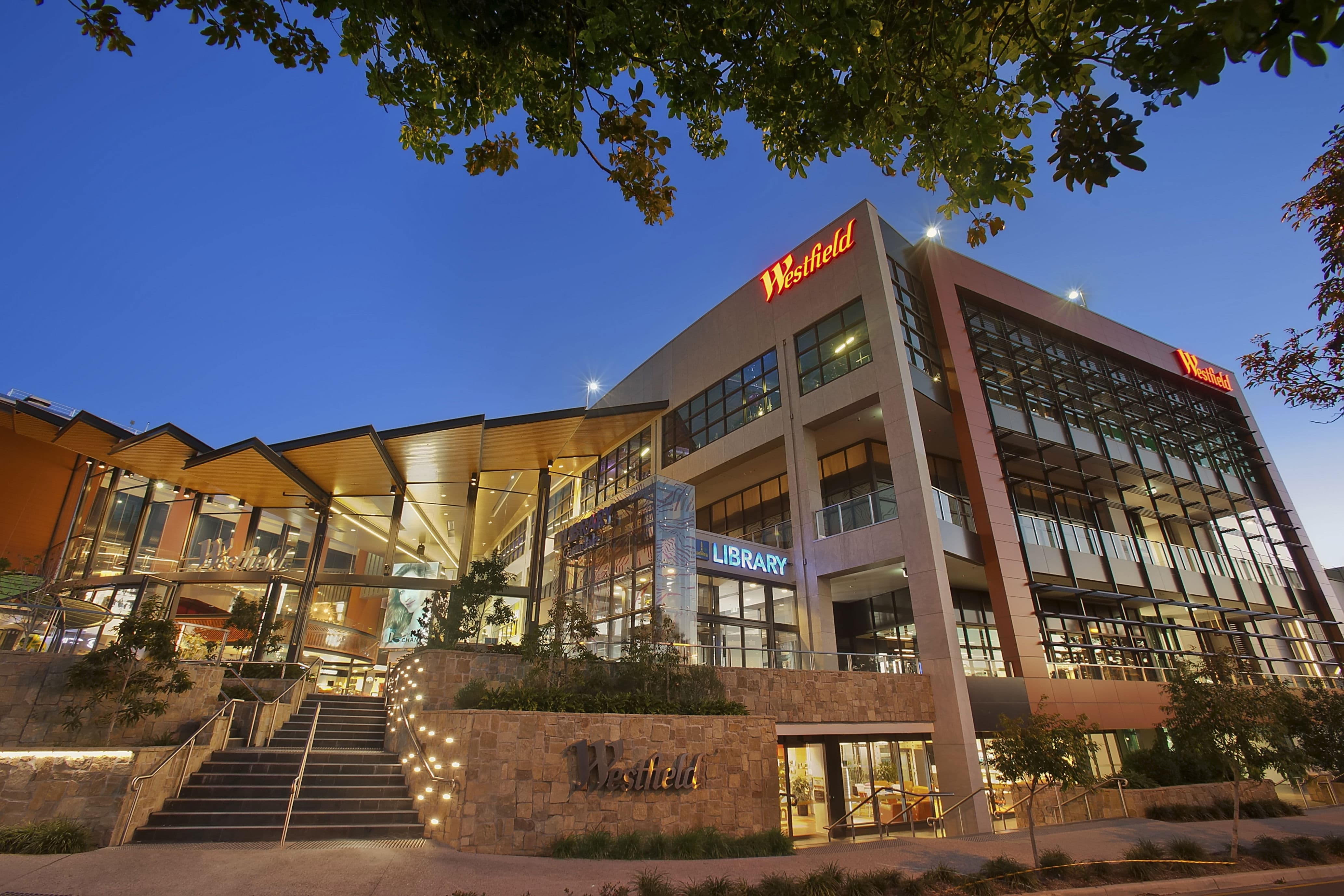 1-Carindale_Westfield_(Extra_Exterior_Dusk)-min
