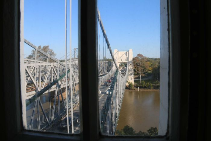 view from the inside of walter taylor bridge