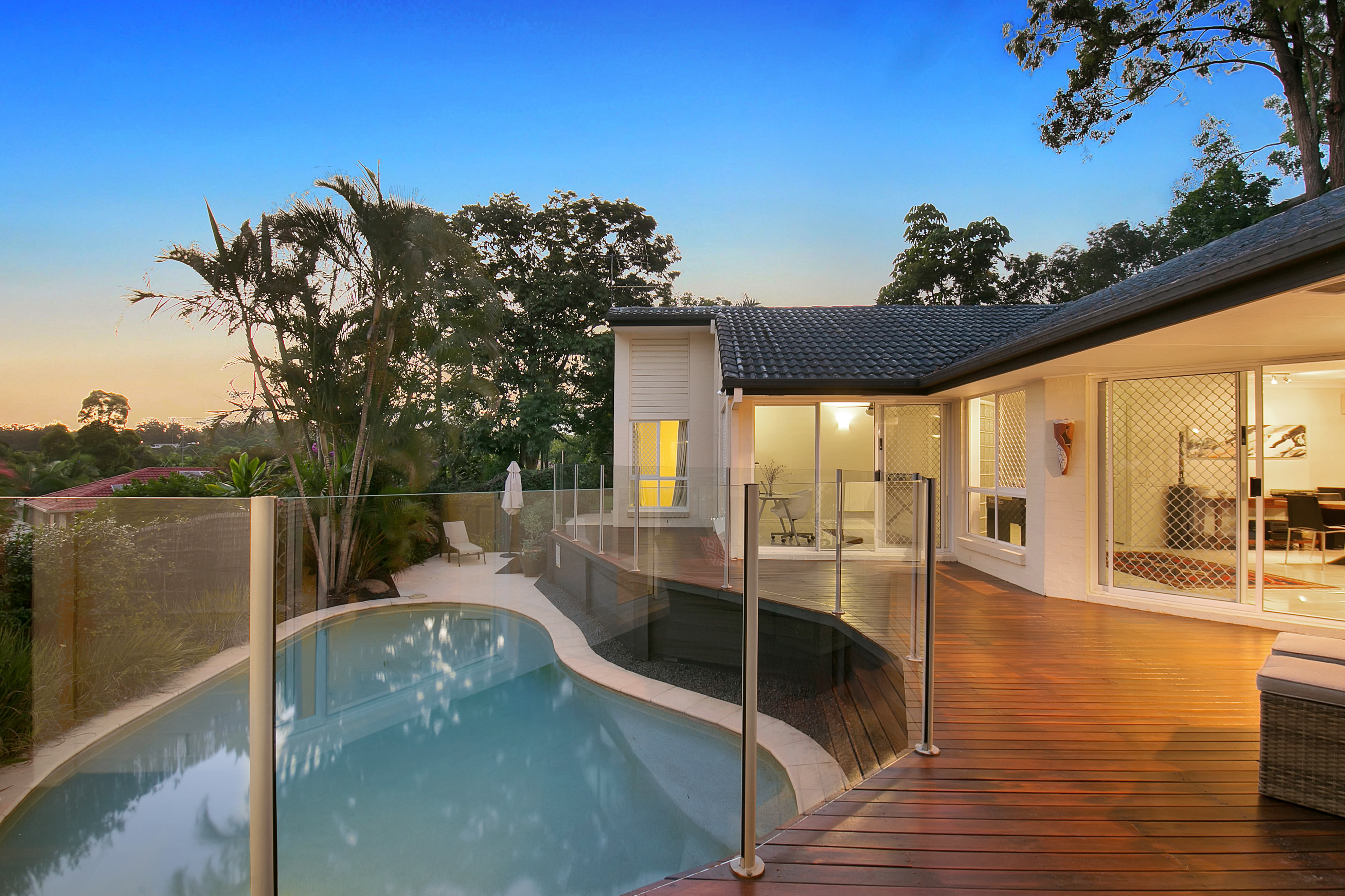 12 Ringway Place, Chapel Hill pool