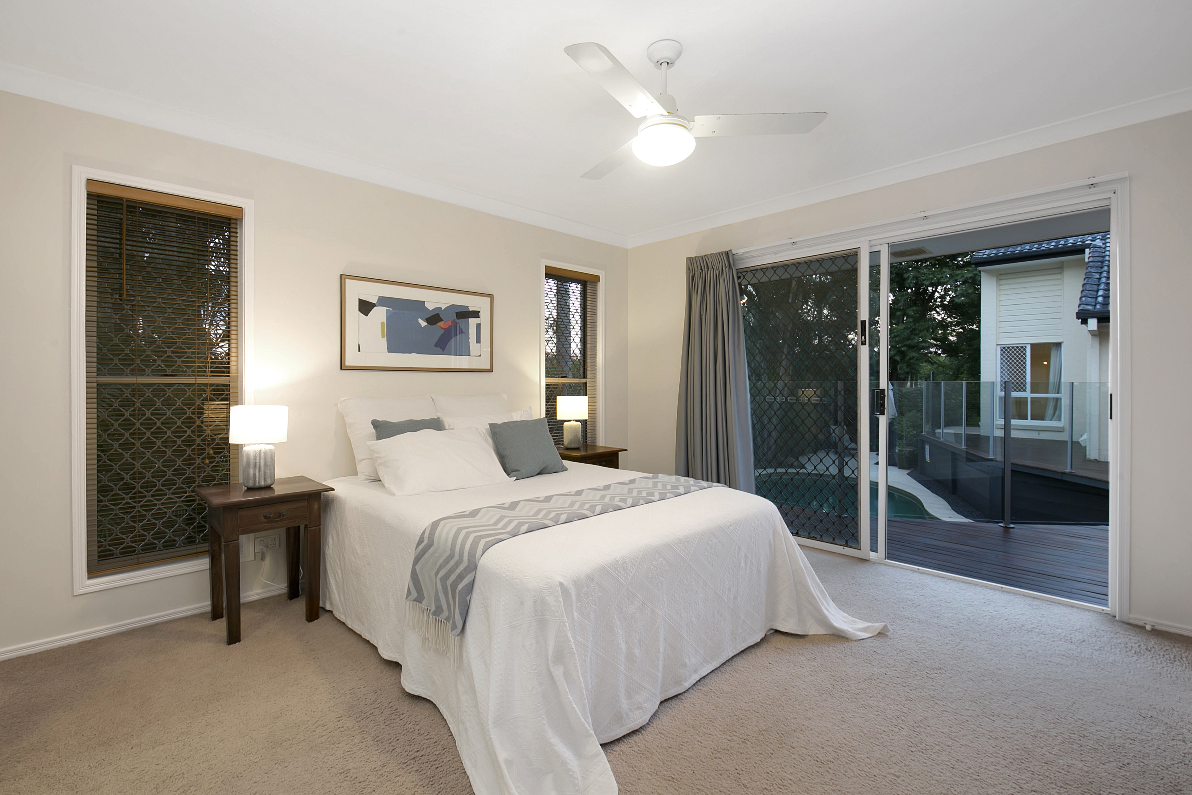 12 Ringway Place, Chapel Hill bedroom