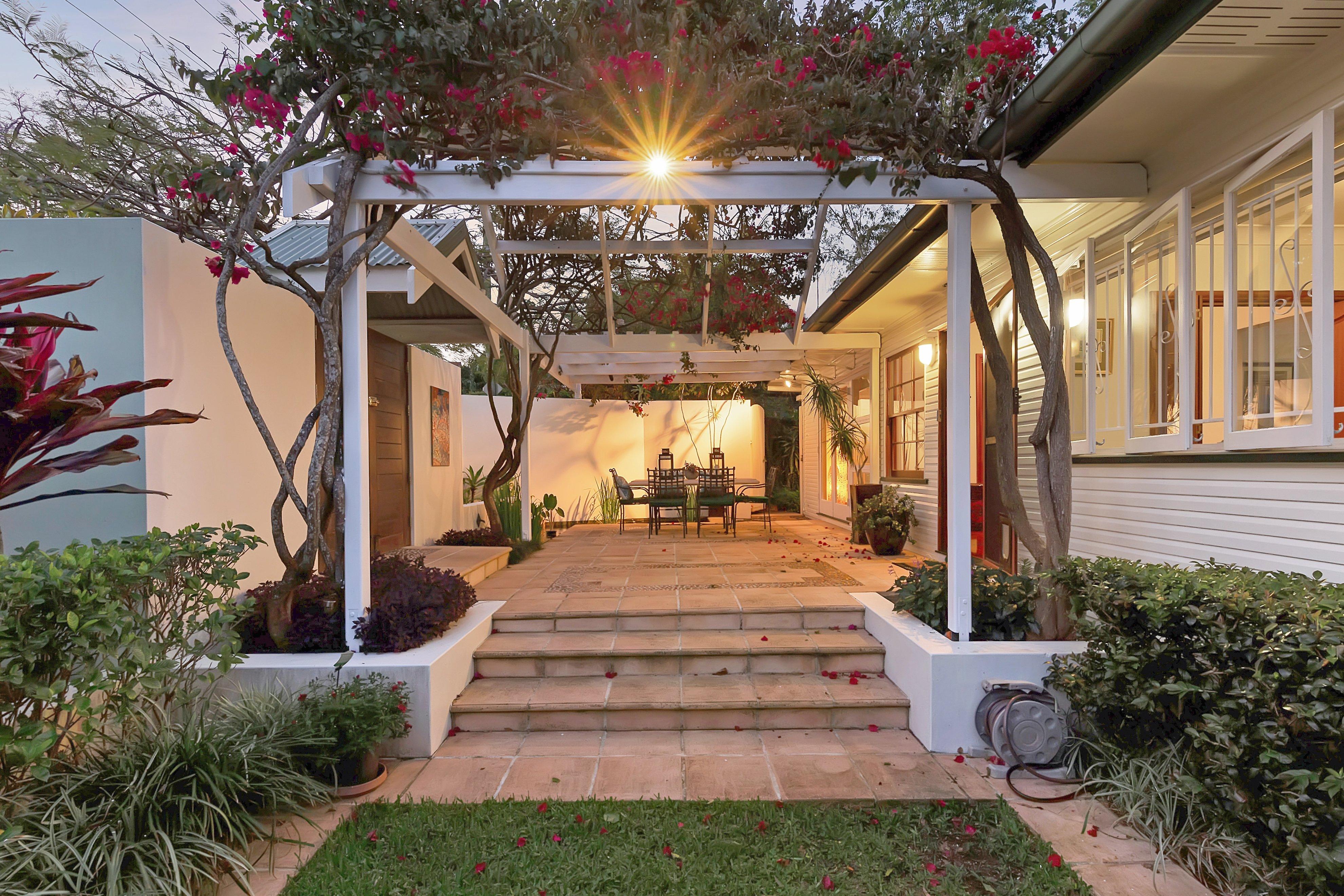 27 Blackstone Street, Indooroopilly patio