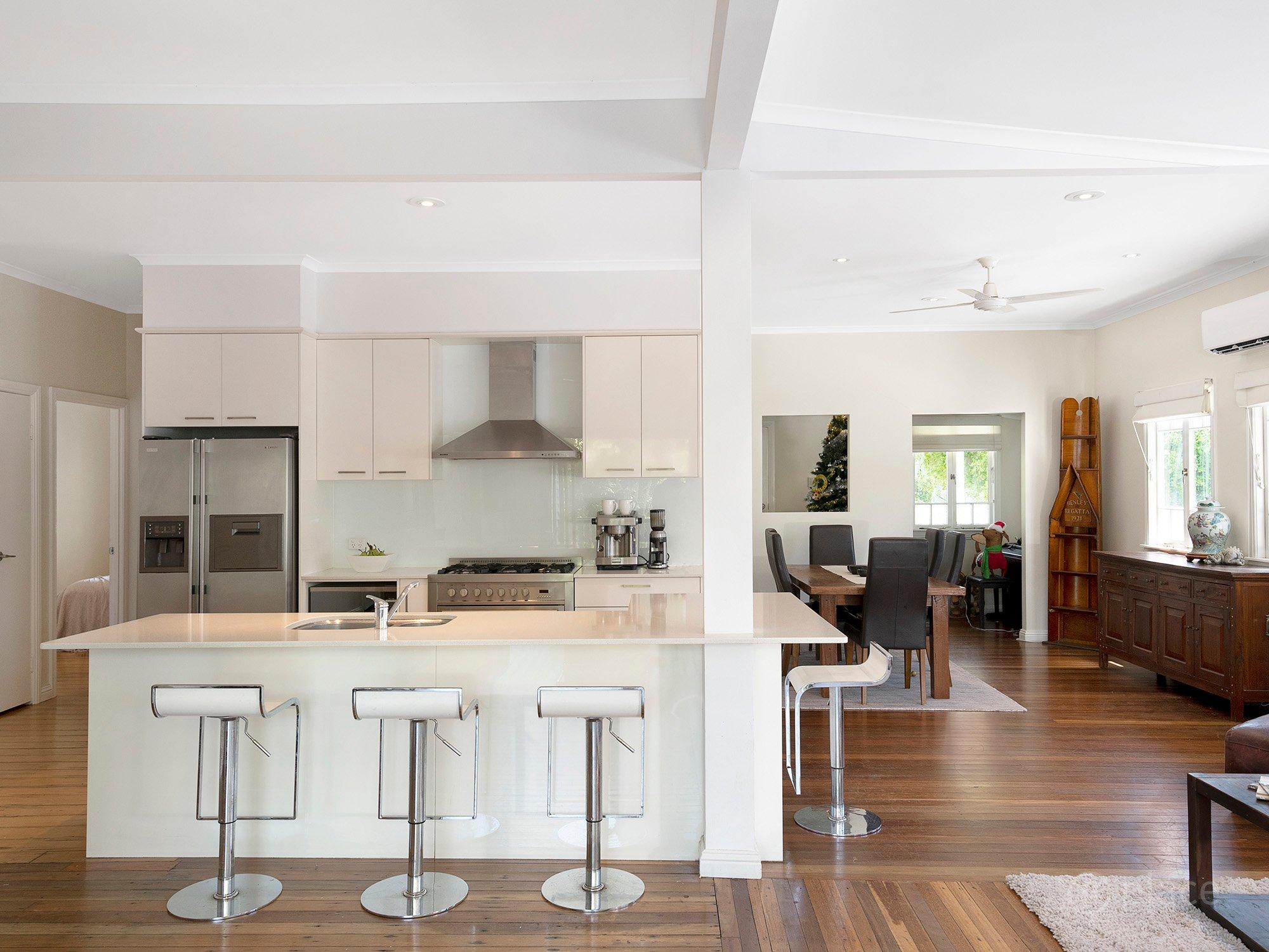 26 Leybourne St, Chelmer_Kitchen