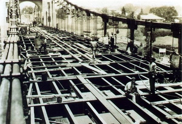 Walter Taylor Bridge deck erection November 1935
