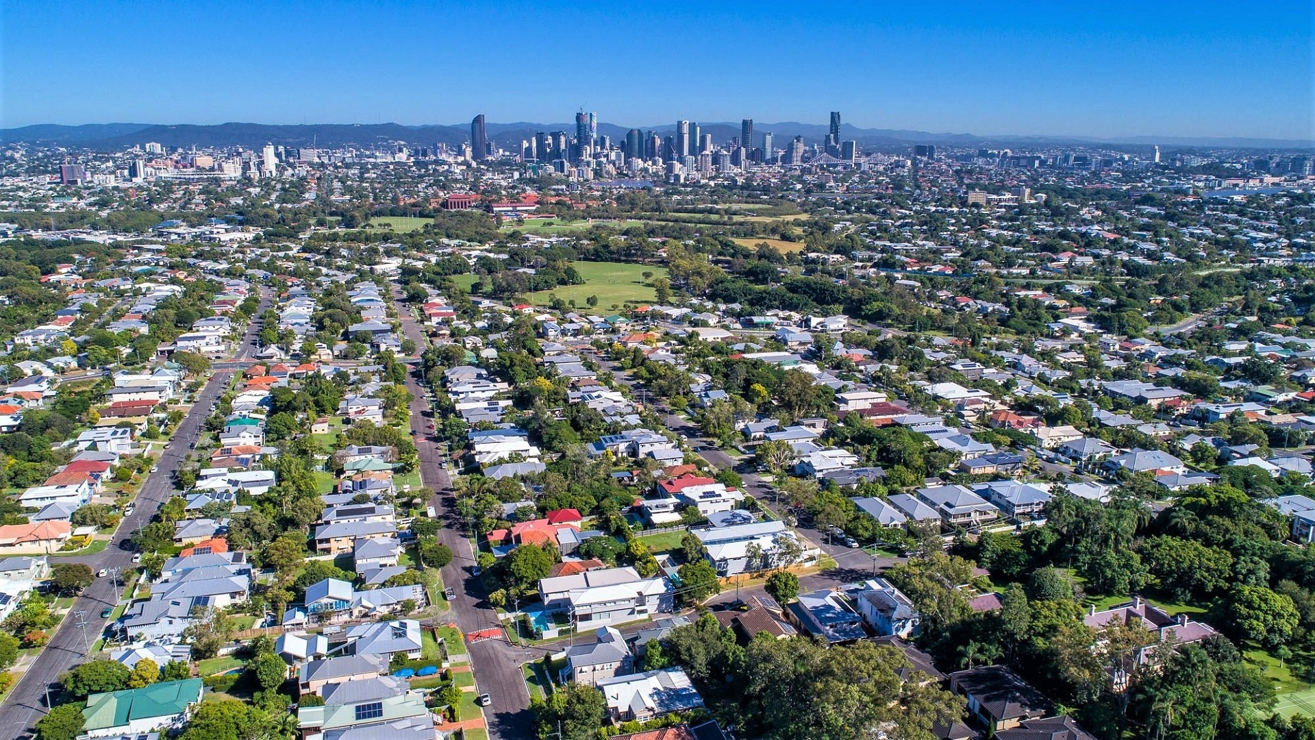 Aerial shot of Norman Park in Brisbane